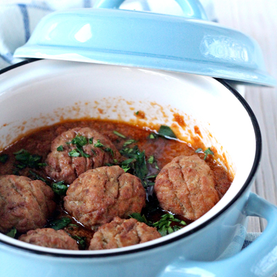 Veggie meatballs with ORGANIC RED PESTO
